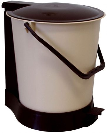 Pedal trash can